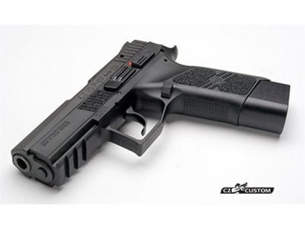 This CZ Custom aluminium shoe adds +1 capacity to a P-10F magazine, while blending well with a P-07 or P-10F and offering a positive stop when seating.